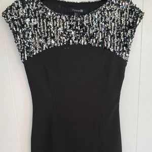 🎁4-25$Forever 21 Silver Sequin Dress